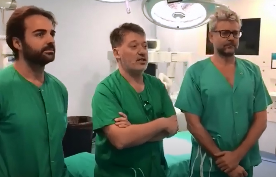 Visit of Dr. Casado to the Reina Sofía University Hospital in Córdoba to perform voice feminization surgeries
